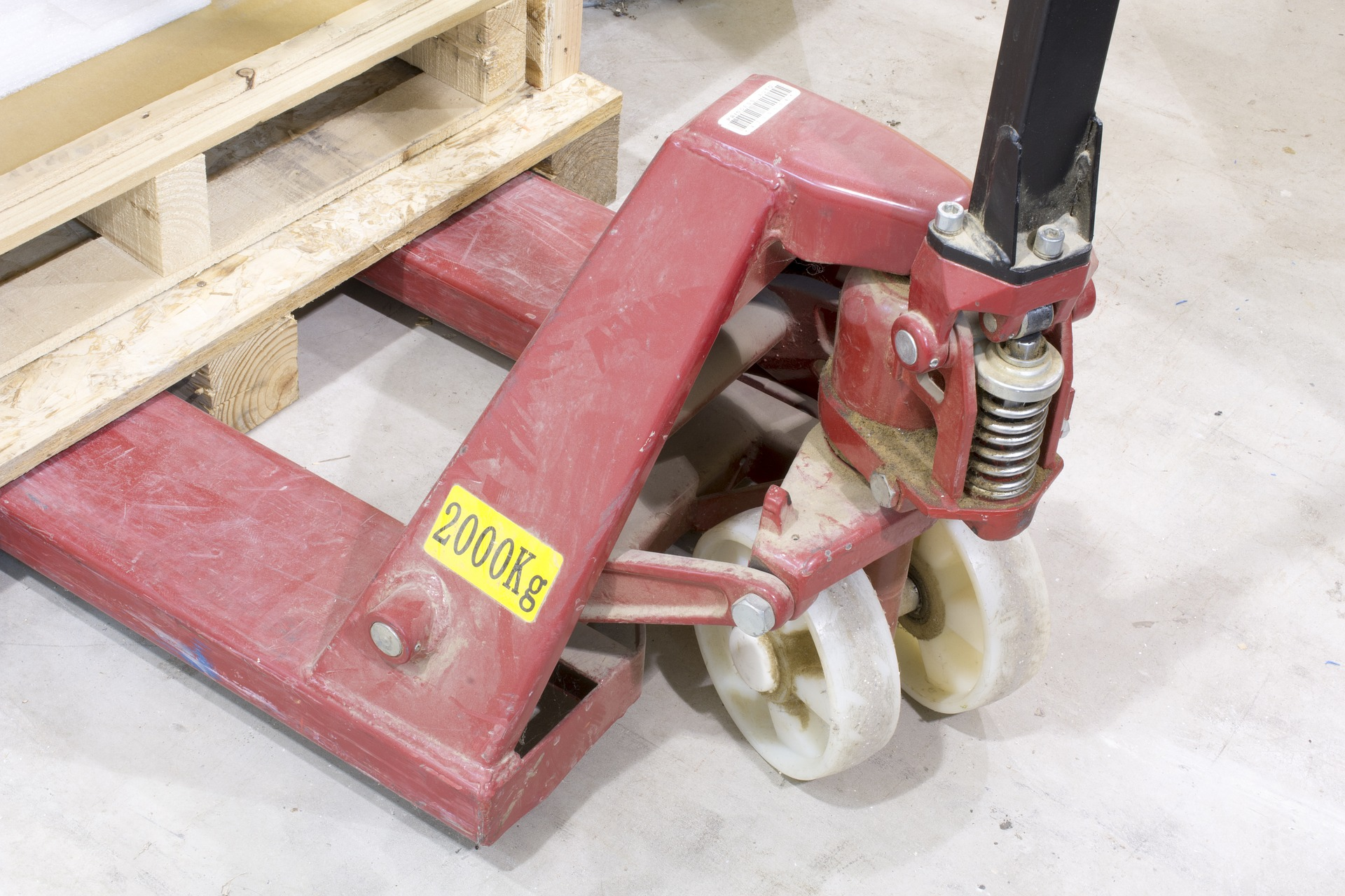 How the Hydraulic Pallet Jack Works